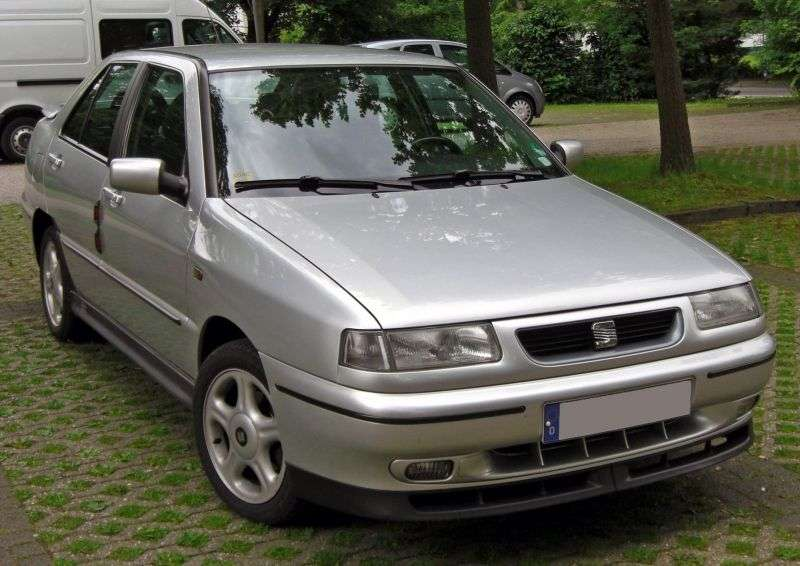 SEAT Toledo 1st generation [restyling] hatchback 2.0 MT (1995–1999)