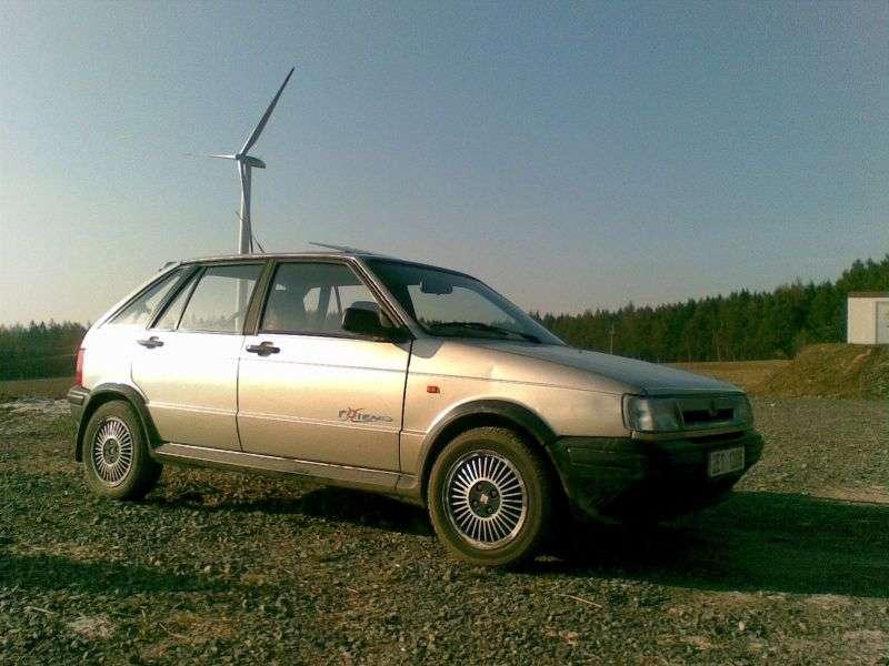 SEAT Ibiza 5 drzwiowy hatchback pierwszej generacji 1,5i MT (1986 1993)