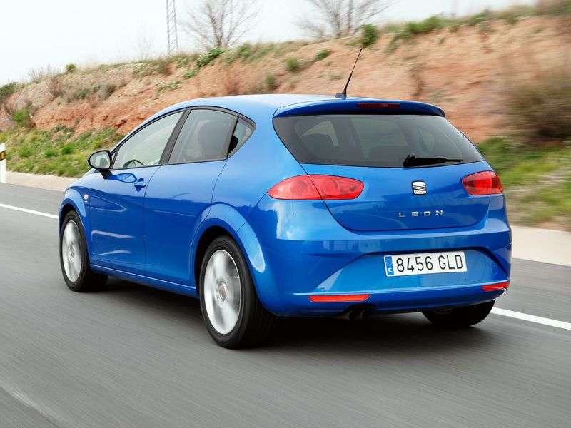 SEAT Leon 2nd generation [restyling] 5 dv hatchback 1.6 MPI MT Reference (2005 – present)