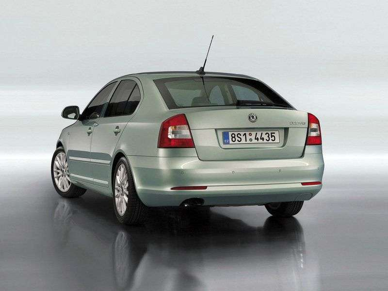 Skoda Octavia 2nd generation [restyling] liftback 5 bit 1.6 TDI GreenLine MT (2009–2013)
