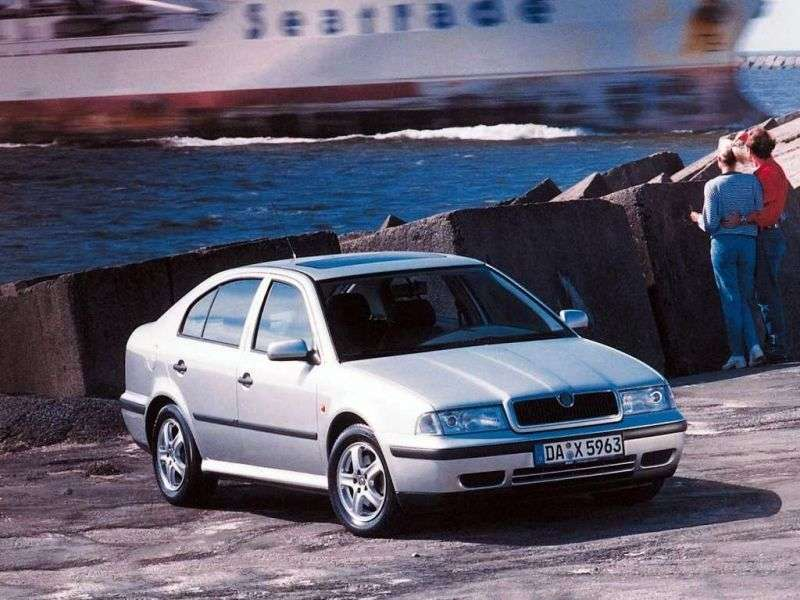 Skoda Octavia 1st generation liftback 5 bit. 2.0 AT (1999–2000)