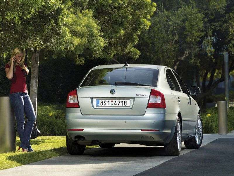 Skoda Octavia 2nd generation [restyling] liftback 5 bit 1.6 MultiFuel MT (2009–2013)