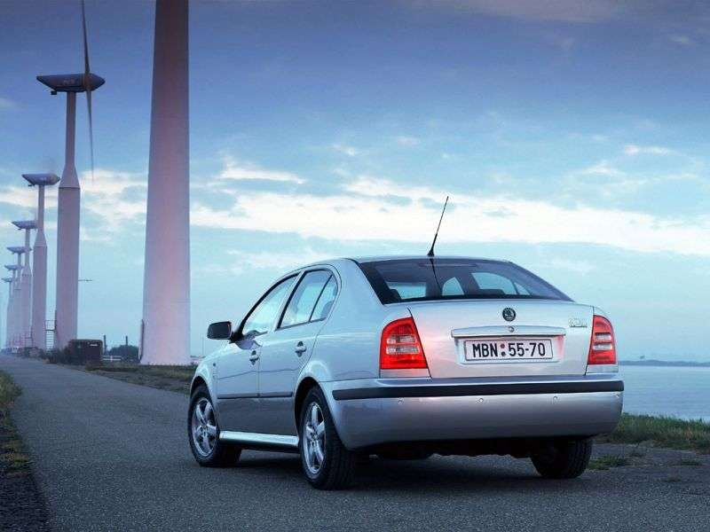 Skoda Octavia 1st generation [restyling] liftback 1.6 AT (2000–2010)