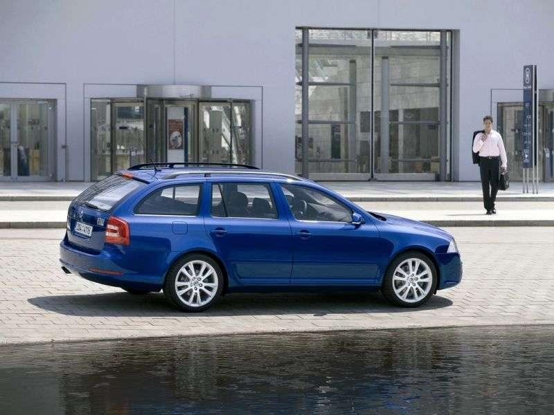 Skoda Octavia RS drugiej generacji 5 drzwiowy kombi 2.0 TFSI MT (2005 2008)