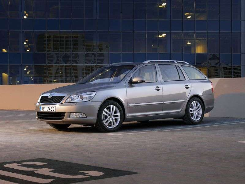 Skoda Octavia 2nd generation [restyling] Combi wagon 5 dv. 1.6 TDI Greentech MT (2012–2013)