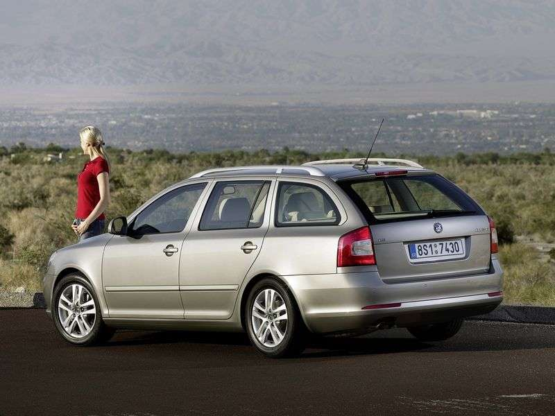 Skoda Octavia 2nd generation [restyling] Combi wagon 5 dv. 1.8 TSI AT Elegance (2011–2012)