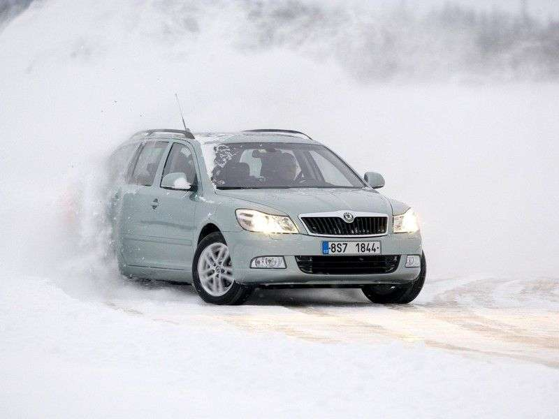 Skoda Octavia 2nd generation [restyling] Combi wagon 5 dv. 1.2 TSI MT (2010–2013)