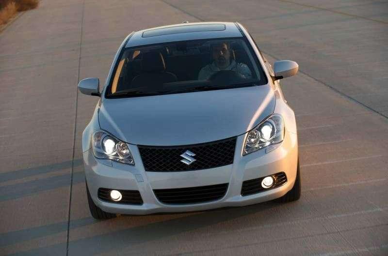 Suzuki Kizashi 1st generation sedan 2.4 4WD CVT STDLX (2010 – n.)
