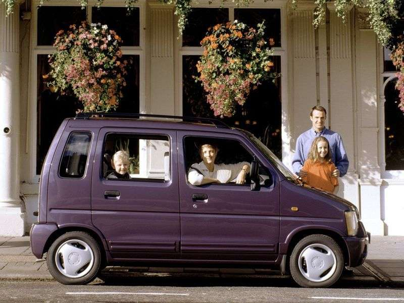 Suzuki Wagon R 1st generation 5 in minivan. 0.7 3AT (1995–1998)