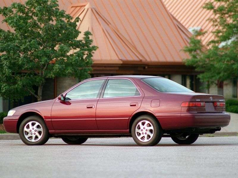 Toyota Camry XV20sedan 4 dv. 2.2 AT Overdrive (1997–1999)