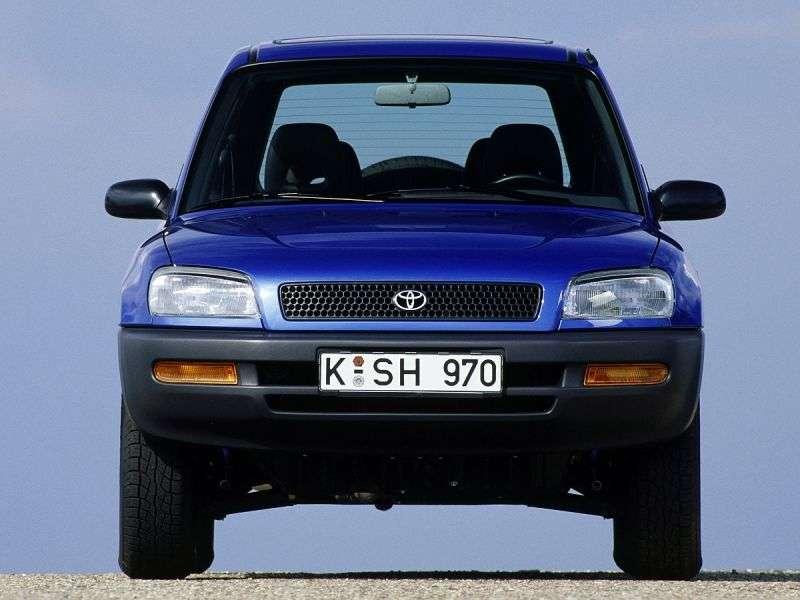 Toyota RAV4 1st generation 5 bit crossover. 2.0 MT AWD (1995–1998)