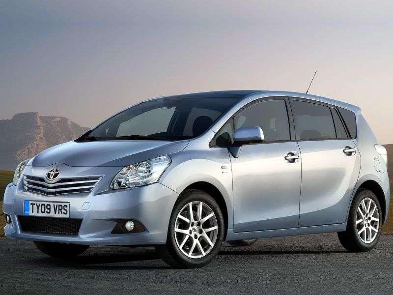 Toyota Verso minivan pierwszej generacji 2.0 D 4D MT (2009–2013)