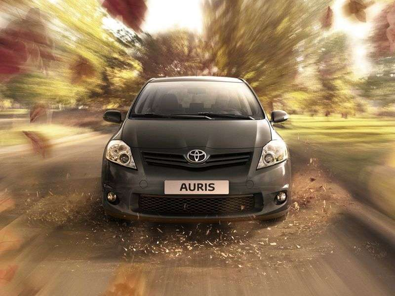 Toyota Auris 1st generation [restyled] 5 dv hatchback 1.8 MT (2010–2012)