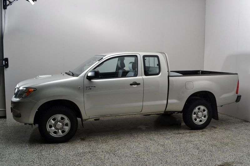 Toyota Hilux 7 generation Extended Cab pick up 2 bit. 2.5 TD AT AWD (2005–2008)
