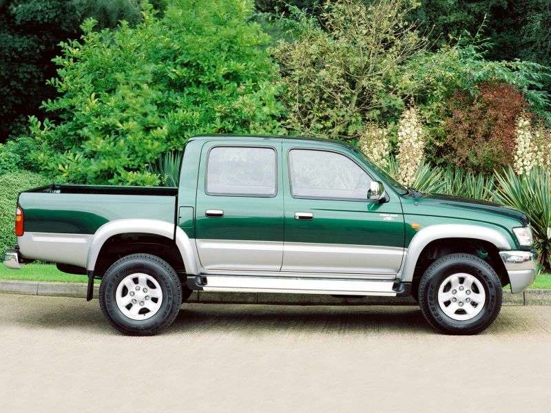 Toyota Hilux 6th generation [restyling] pickup 4 dv. 2.0 MT AWD (2001–2004)