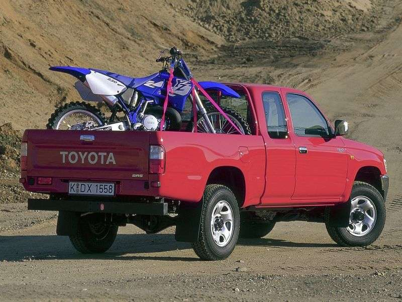 Toyota Hilux 6th generation Xtracab pickup 2 bit. 3.4 MT AWD (1997–2001)