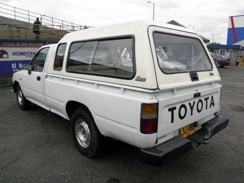 Toyota Hilux 5 generation [restyling] pickup 2 bit. 2.8 D MT AWD (1991–1994)