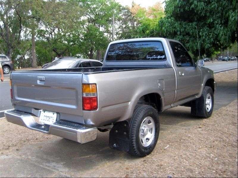 Toyota Hilux 5 generation pickup 2 bit. 2.8 D AT (1988–1991)