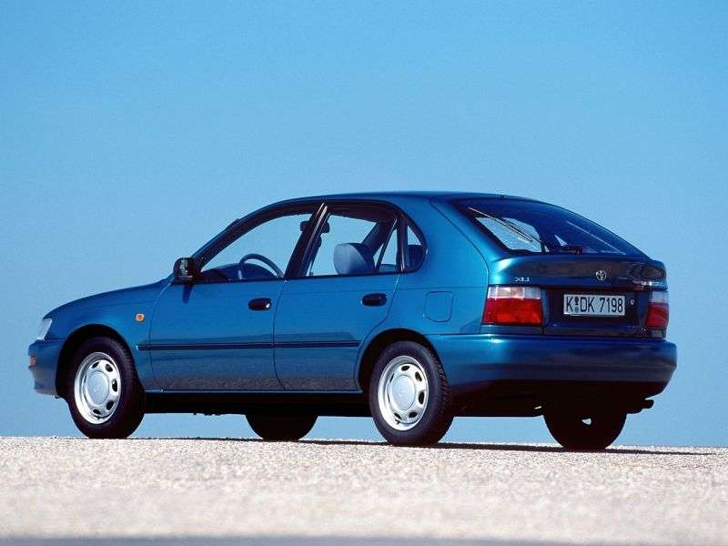 Toyota Corolla E100hetchbek 5 dv. 1.3 MT (1991–1993)
