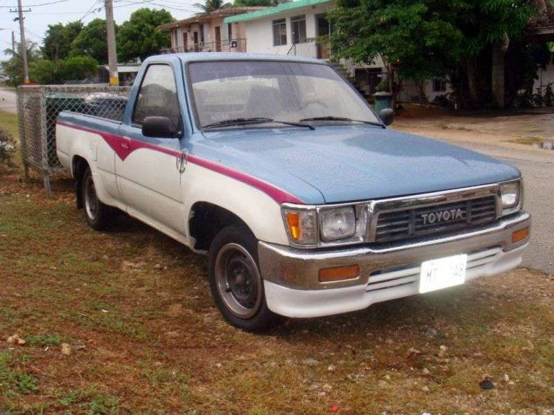 Toyota Hilux 5 generation pickup 2 bit. 3.0 AT AWD (1989–1991)