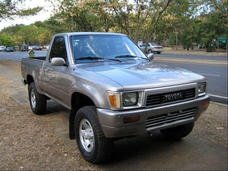 Toyota Hilux 5 generation pickup 2 bit. 2.4 MT (1989–1991)