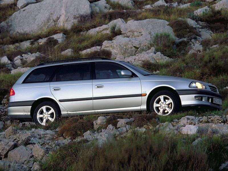 Toyota Avensis 1st generation wagon 2.0 AT (1997–2000)