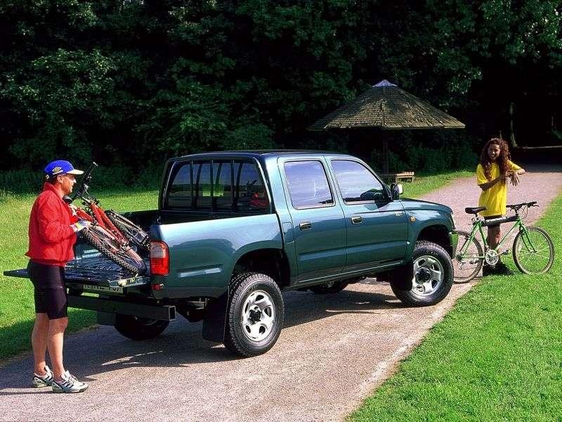 Toyota Hilux 6th generation pickup 4 bit. 2.7 AT AWD (1999–2001)