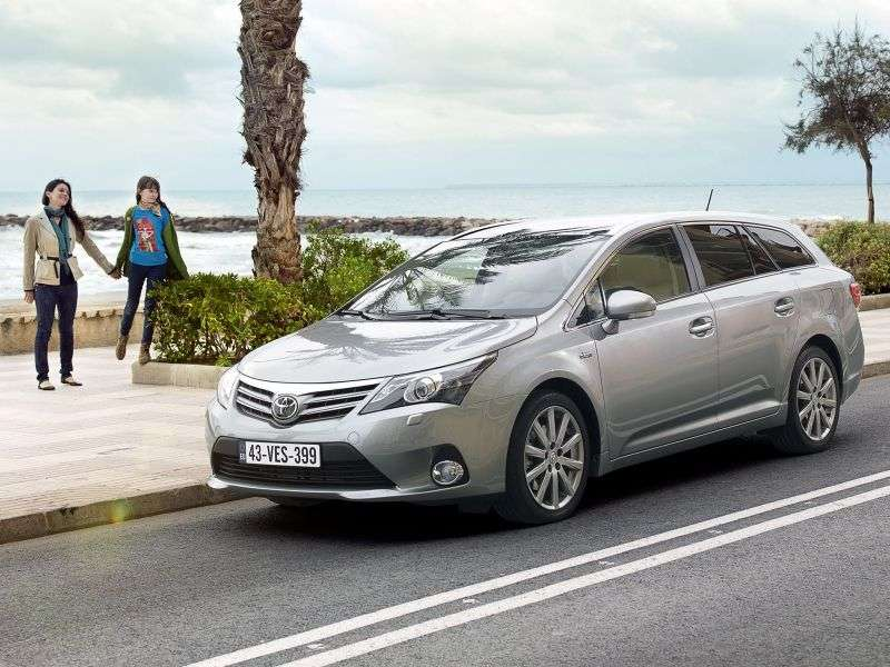 Toyota Avensis 3rd generation [restyling] station wagon 2.0 MT (2011–2012)