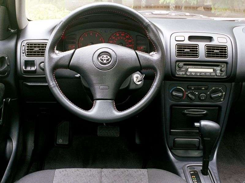 Toyota Corolla E110 [restyling] 1.6 MT (2000–2002) station wagon