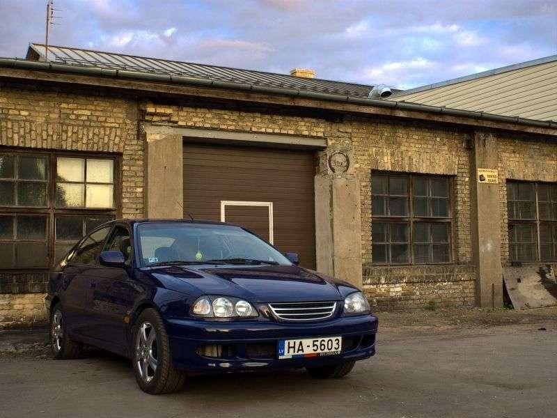 Toyota Avensis 1st generation hatchback 2.0 AT (1997–2000)
