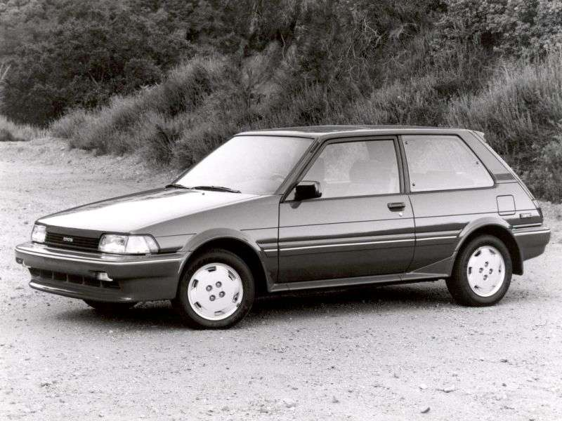 Toyota Corolla E80htchbek 1.3 MT (1983 1987)