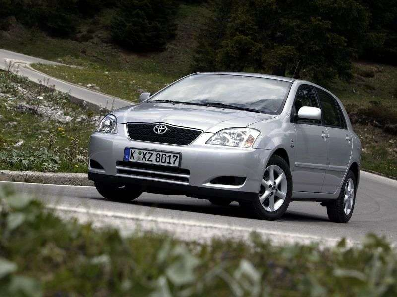Toyota Corolla E120hetchbek 5 dv. 1.4 MT (2001–2004)