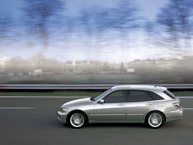 Toyota Altezza XE10Gita wagon 3.0 AT (2001–2005)