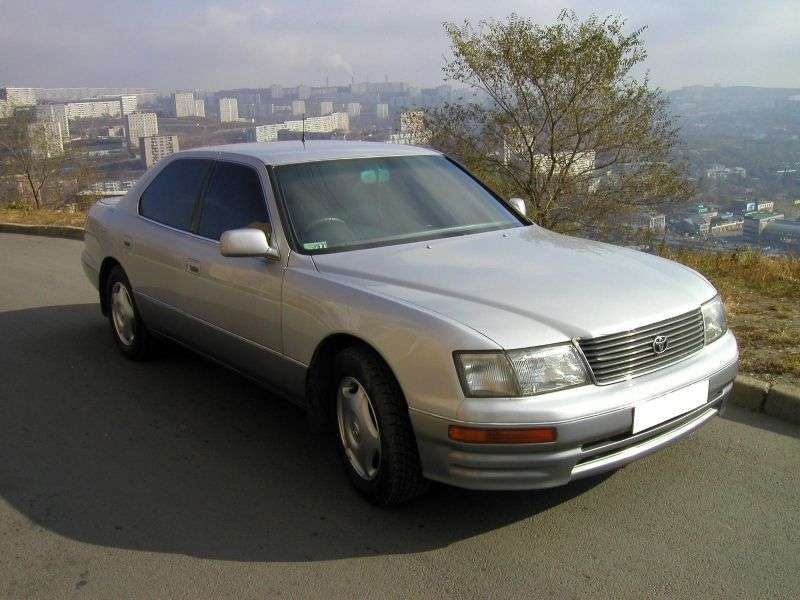 Toyota Celsior F20sedan 4.0 AT (1994–1997)