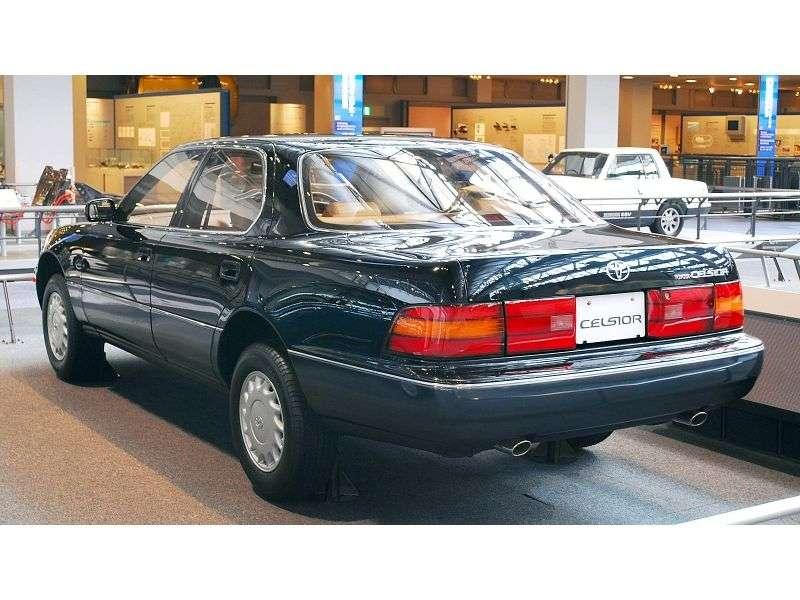 Toyota Celsior F10sedan 4.0 AT (1989–1992)