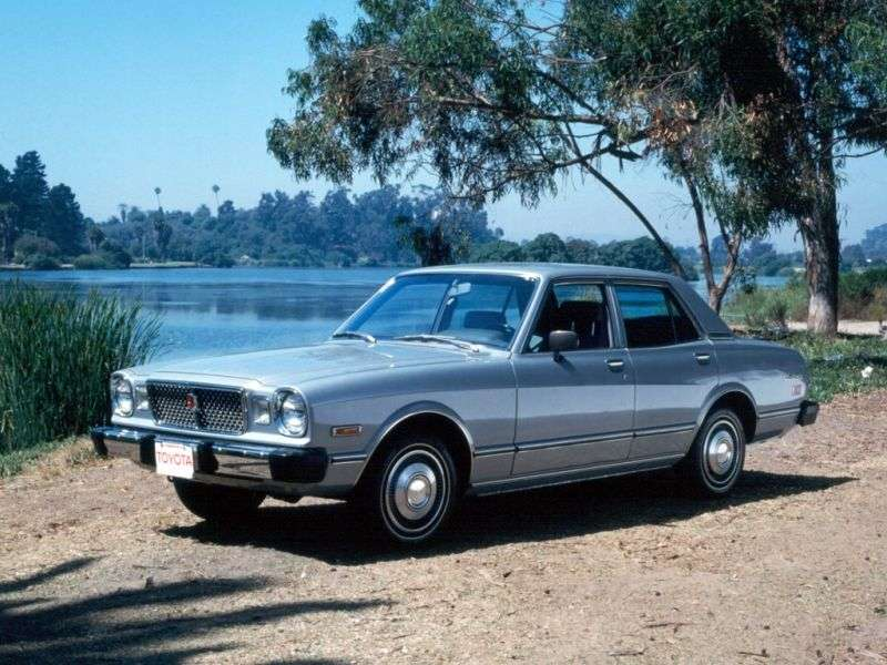 Toyota Cressida X30sedan 2.0 MT (1977–1978)