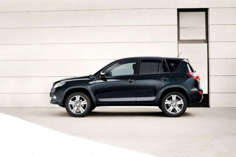 Toyota RAV4 3rd generation [2nd restyling] 2.0 MT Crossover AWD Comfort (2010–2013)