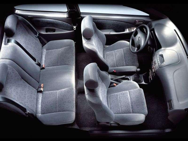 Toyota Corolla E110 [restyling] 1.6 MT hatchback (2000–2002)