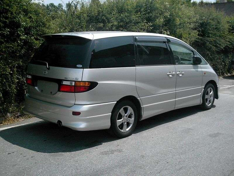 Toyota Estima 2nd generation minivan 3.0 AT (2000–2005)