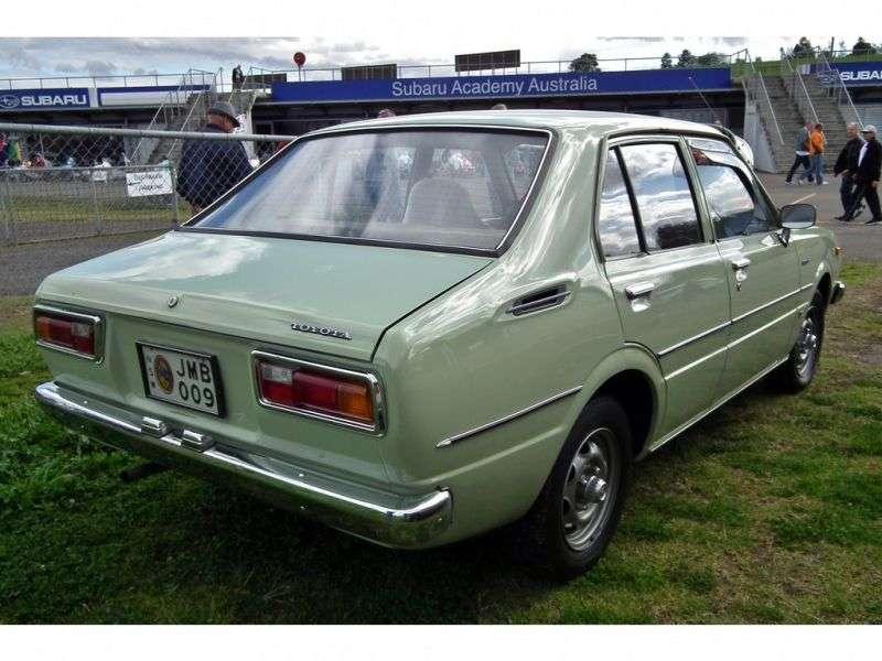 Toyota Corolla E50 [restyling] JDM 4 door sedan. 1.6 AT (1976–1979)