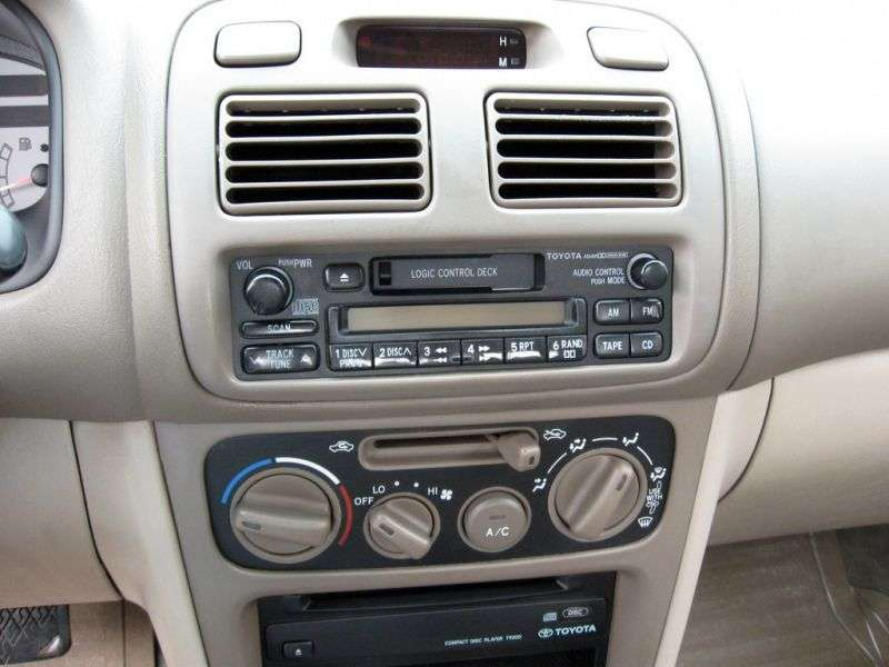 Toyota Corolla E110hetchbek 3 dv. 2.0 D MT (1997–2000)