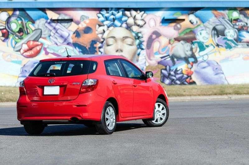 Toyota Matrix drugiej generacji [zmiana stylizacji] hatchback 5 drzwiowy. 1,8 MT (2010 obecnie)