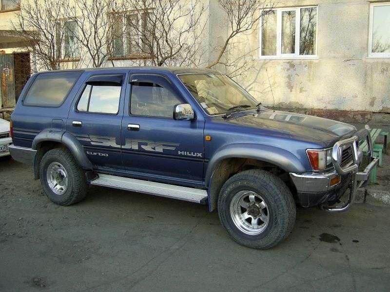 5 drzwiowy SUV Toyota Hilux Surf drugiej generacji. 3.0 na AWD (1990 1992)