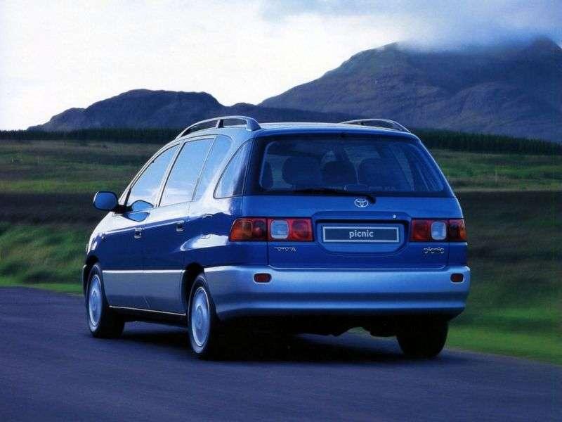 Toyota Picnic 1st generation minivan 2.2 TD MT (1996–2001)