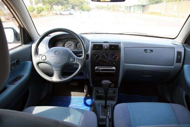 Toyota Duet 1st generation [restyled] hatchback 1.3 AT (2001–2004)