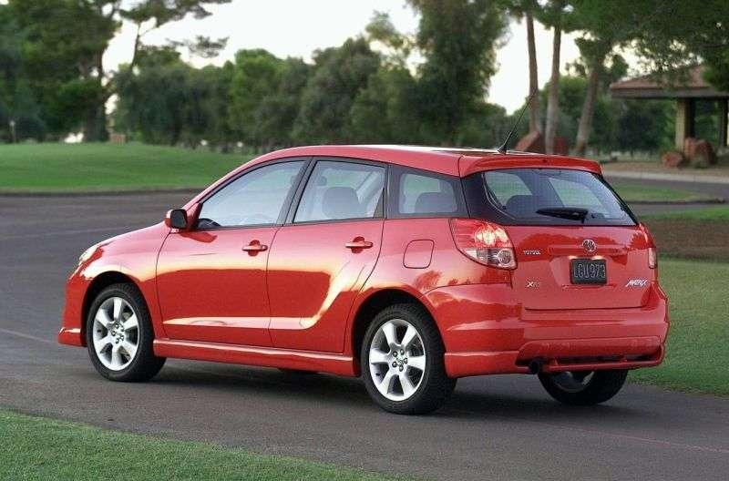 5 drzwiowy hatchback XRS pierwszej generacji Toyota Matrix 1,8 MT (2003 2005)