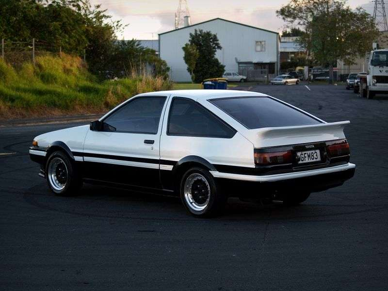Toyota Sprinter Trueno AE85 / AE86etchback 1.6 MT (1983–1987)
