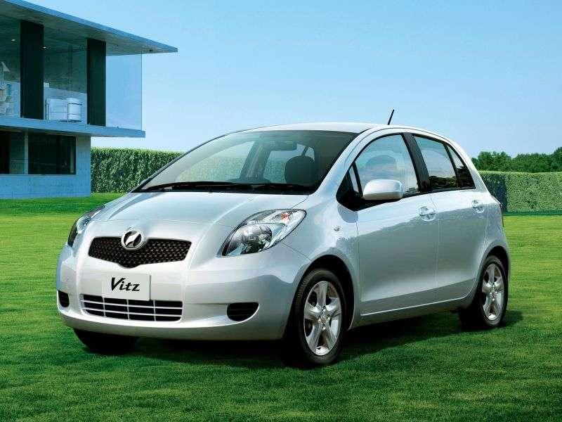 Toyota Vitz XP90 Hatchback 1.3 4WD MT (2005–2007)