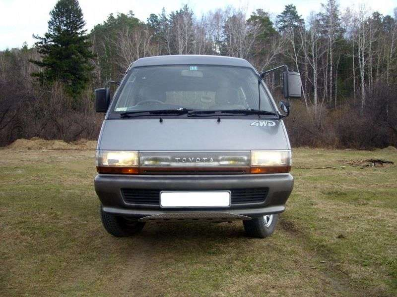 Toyota Town Ace 2nd generation [2nd restyling] minivan 2.0 AT Skylight roof (1988–1992)