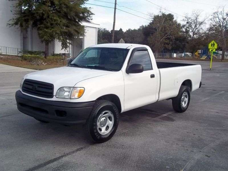 Toyota Tundra 1st generation Regular Cab 2 dv pickup. 4.7 AT 4WD (2000–2002)